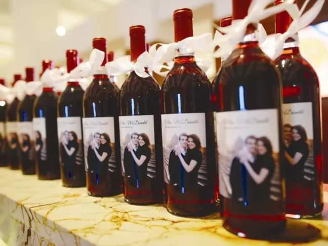 esküvő boros palackok